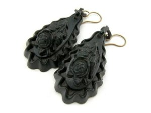 victorian-mourning-earrings