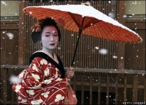 geisha under parasol