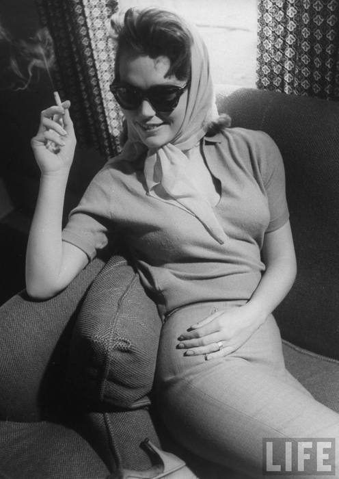 BEFORE: Lee Remick in sandellous pants early in Anatomy of a Murder
